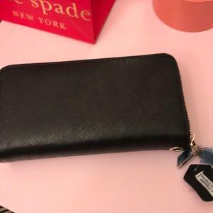 Handbags - EUC Leather Wallet